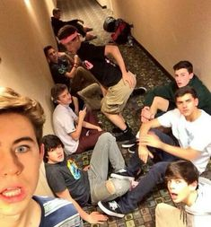 Old magcon, nash grier, and shawn mendes. I want the old magcon back so badly Magcon Boys, Magcon Family, Jack Gilinsky, Hayes Grier, Nash Grier, Shawn And Camila, Magcon Imagines, Magcon Quotes, Vine Boys