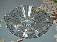 PRETTY VINTAGE CLEAR GLASS FOOTED SERVING PLATE WITH HANDLES-D