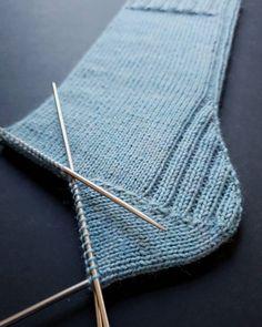 Knitting Socks, Knit Socks, Crochet, Projects To Try, Sweater, Decor, Craft, Socks, Creative Crafts