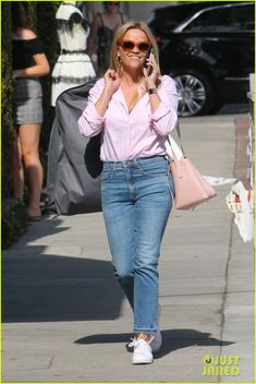 Full Sized Photo of reese witherspoon shop july 2018 03 Business Casual Outfits, Stylish Outfits, Cool Outfits, Fashion Outfits, Street Style 2018, Casual Street Style, Reese Witherspoon Style, Preppy Casual, Passion For Fashion