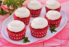 Briose Red Velvet Red Velvet Cake Mix, Red Velvet Cupcakes, Steak Marinade Best, Make Banana Bread, Filled Cupcakes, La Red, Mini Muffins, Great Desserts, Home