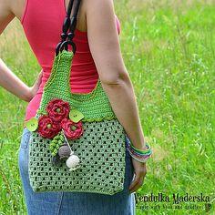 Ravelry: Red poppies bag pattern by Vendula Maderska