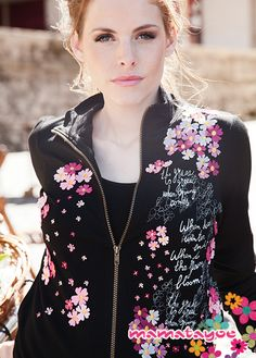 Chaqueta Mamatayoe con estampado floral  Jacket with floral embroidery   Veste avec florales rebrodées  Giacca con ricami floreali Floral Tops, Spring Summer, Bike, Women, Fashion, Trends, Style, Jacket, Bicycle