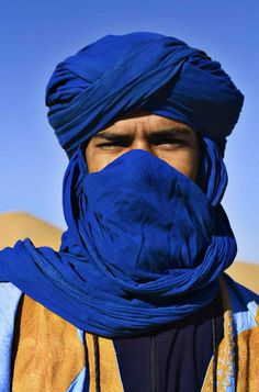 Long Handmade Tuareg Scarf Turban Ethnic Blue Sahara, Unisex Adul ,from morocco Exam Photos, Tuareg People, 3d Foto, Moroccan Blue, Arab Men, Handmade Scarves, Long Scarf, North Africa, People Around The World