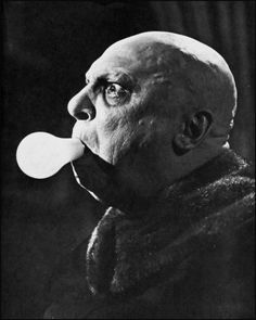 Uncle Fester, played by former child actor Jackie Coogan.