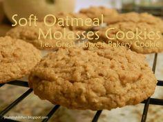 Soft Oatmeal Molasses Cookies (i.e. Great Harvest Bakery Cookies)