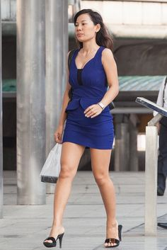 Great Legs, Cute Asian Girls, Beautiful Asian Women, Sexy Heels, Asian Woman, Asian Beauty, Mini Skirts, Bodycon Dress, Lady