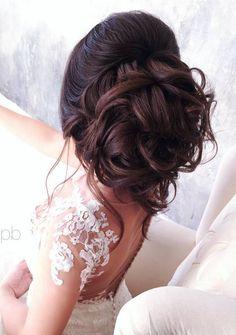 Elstile wedding hairstyles for long hair 24 - Deer Pearl Flowers / http://www.deerpearlflowers.com/wedding-hairstyle-inspiration/elstile-wedding-hairstyles-for-long-hair-24/