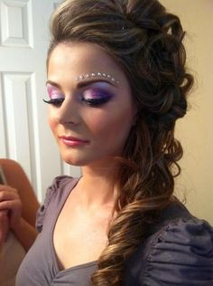 Side do and amazing make up