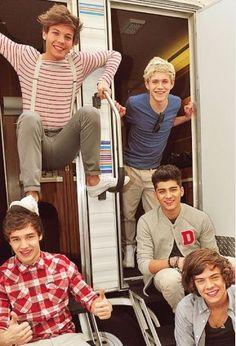 Louis' foot on Liam's head. xD