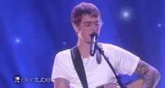 """Justin Bieber faz performance acústica de """"Cold Water"""" no programa """"The Ellen Show"""" #Apresentadora, #Cantor, #EllenDegeneres, #JustinBieber, #M, #MajorLazer, #Noticias, #Pop, #Programa, #Show, #Sucesso, #Videos http://popzone.tv/2016/12/justin-bieber-faz-performance-acustica-de-cold-water-no-programa-the-ellen-show.html"""
