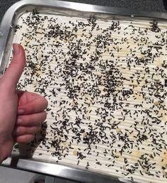Η Ισμήνη μοιράζεται μαζί μας την πιο λαχταριστή-light-συνταγή τούρτας, έτοιμη σε 20 λεπτά Cookbook Recipes, Cake Recipes, Dessert Recipes, Cooking Recipes, Desserts, Dessert Ideas, Low Calorie Cake, Fridge Cake, Snack Hacks