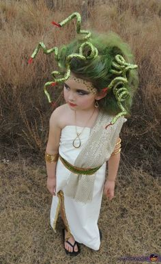 Halloween is coming. Are you ready for Halloween decorations? Are you ready for the kids' Halloween costumes? If you're not ready, you can make Halloween costumes at home with your kids. In this way, you don't have to spend a lot of money in party st Medusa Halloween Costume, Little Girl Halloween Costumes, Diy Halloween Costumes For Kids, Halloween Costume Contest, Baby Halloween, Halloween Parties, Halloween Night, Halloween 2020, Creative Costumes