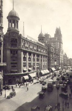 IMAGENES DE MADRID DECADA DEL 40 40s - Edificio Capitol y tercer tramo de la Gran Vía Hola amig@s !! En esta oportuni...