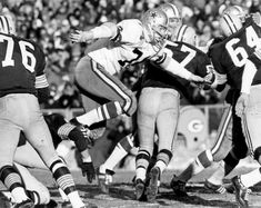 77b105732cc 10 things to know about Cowboys legend Bob Lilly, including his Super Bowl  legacy, famous photography
