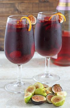 fall sangria: 1.5c red wine .25c cointreau, 2 orange zest strips, .25 tsp cinnamon, .125 tsp ground ginger, 8 chopped figs, .5c sparkling wine