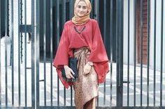 Jon Abrahams, Model Kebaya Modern, Muslim, Kimono Top, Hair Beauty, Womens Fashion, Casual, Fabric, How To Wear