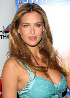 She's constantly traveling around the world for work, filming commercials and shooting modeling campaigns. Checkout the 30 hottest Bar Refaeli pictures. Enjoy!