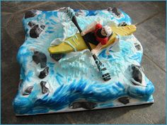 Bored.com - Pictures of Really Amazing Cakes Kayaker cake