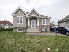 Pour vente rapide, Duplex (bungalow bachelor). 1X 5 et demi loué 1075$ jusqu'en juillet 2017....