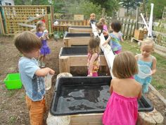 Water tables and gutters, I need this like now on our playground !!!!!!