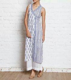 Blue Block Printed Cotton Kurta, simple, love the 2 block print combination in the kurti Pakistani Dresses, Indian Dresses, Indian Outfits, Kurta Patterns, Dress Patterns, Ethnic Fashion, Indian Fashion, Indian Designer Suits, Kurta Designs