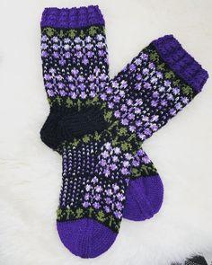 Fair Isle Pattern, Knitting Socks, Villa, Crochet, Patterns, Fashion, Knit Patterns, Knit Socks, Block Prints