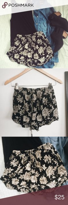 Floral print Flowy shorts Super cute and flow. Easy to just throw on with a black or white tee. Brandy Melville Shorts