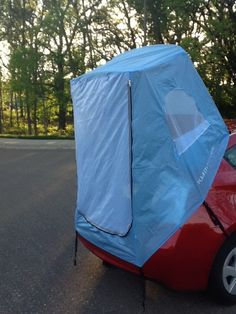 Habitents uses the hatchback for support, so no poles are needed