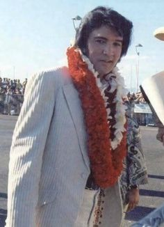 Elvis arriving for the Aloha from Hawaii concert, Jan. 9, 1973.