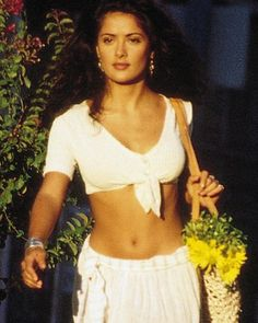 A beautiful and inspiring Salma Hayek from a scene in Desperado Selma Hayek, Salma Hayek Style, Salma Hayek Body, Salma Hayek Hair, Looks Hippie, Salma Hayek Pictures, Beautiful People, Beautiful Women, Woman Crush