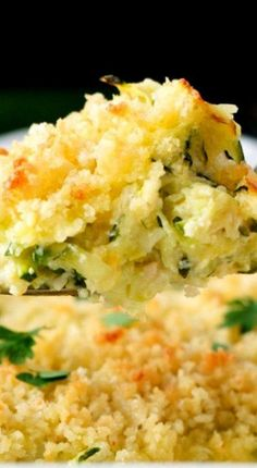 Garlic Parmesan Zucchini Casserole - make keto friendly by using crushed pork rinds Vegetable Recipes, Vegetarian Recipes, Cooking Recipes, Healthy Recipes, Zuchinni Side Dish Recipes, Yellow Zucchini Recipes, Shredded Zucchini Recipes, Summer Squash Recipes, Side Dishes Easy
