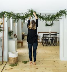 DIY for Holiday Garland foraged from your yard. A Simple and easy and cheap way .- DIY for Holiday Garland foraged from your yard. A Simple and easy and cheap way to create great holiday decor this year. Check The Fresh Exchange for the full DIY. Natural Christmas, Noel Christmas, Christmas 2019, Christmas Crafts, Christmas Ideas, Christmas Quotes, Christmas Tree In Basket, Christmas Card Display, Cabin Christmas