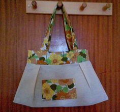 A cute upcycled sewn tote bag - vintage fabric Upcycle, Tote Bag, Sewing, Creative, Fabric, Cute, Blog, Vintage, Tejido