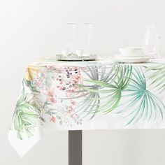 Image of the product TROPICAL LEAVES TABLECLOTH