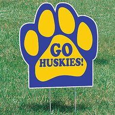These personalized Paw Yard Signs are ideal for team sports and fundraising. Each all-weather Paw Yard Sign measures 22 inches in diameter.