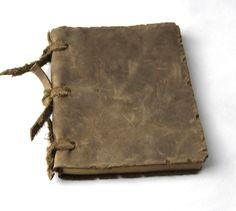 Купить товарСтаринные пустым дневники журналы ноутбук записная книжка сломанной путешественник в категории Записные книжкина AliExpress.     Материал: натуральная кожа  Внутренний материал: 100 г коровьей бумаги пустой  Цвет: коричневый  Размер: