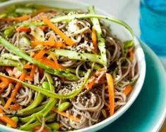 Spring vegetables are some of the most delicate, and they're usually not in season for. What Is Quinoa, How To Cook Quinoa, Easy Cooking, Cooking Recipes, Quinoa Benefits, Quinoa Salad Recipes, Easy Dinner Recipes, Coco, Recipes