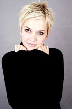 Inka Bause - I wish I could pull off this haircut. It's SOO cute!