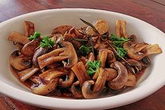 Antipasti – marinierte Champignons Antipasti – marinated mushrooms, a very nice recipe from the mushrooms category. Healthy Eating Tips, Healthy Snacks, Healthy Recipes, Marinated Mushrooms, Stuffed Mushrooms, Vegetable Drinks, Party Snacks, Finger Foods, Snack Recipes