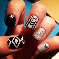Tribal nails!! Love them!