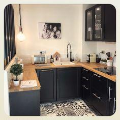 home cuisine ikea laxarby carreauxdeciment Kitchen Room Design, Home Decor Kitchen, Interior Design Kitchen, New Kitchen, Home Kitchens, Ikea Small Kitchen, Kitchen Ideas, Minimalist Small Kitchens, Small Kitchen Lighting