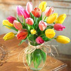 beautiful simple flower arrangement