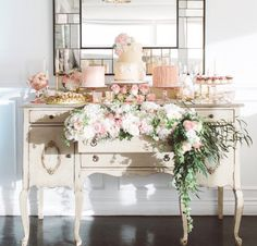 This is the ultimate vintage table set up! Such a great way to ...
