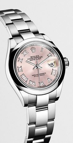 A Rolex Lady-Datejust 28 in 904L steel: the latest version of Rolex's classic watch for women.