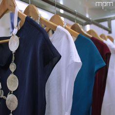Las básicas son indispensables en tu clóset, para un look minimalista y un estilo elegante #mpm #mpmdesign