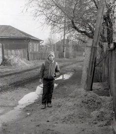 За молоком. СССР, деревня, 1987 год.