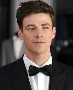 Discovered by F e r n a n d a 🌹. Find images and videos about the flash, grant gustin and barry allen on We Heart It - the app to get lost in what you love. Flash Barry Allen, Concessão Gustin, Foto Flash, Series Dc, Madara And Hashirama, The Flash Grant Gustin, Grant Gustin Glee, Snowbarry, Fastest Man