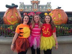 Pooh, Piglet and Tigger - Halloween Ideas Piglet Halloween Costume, Piglet Costume, Winnie The Pooh Costume, Halloween Costumes For Teens, Halloween Kostüm, Halloween Cosplay, Adult Disney Costumes, Disfraz Winnie Pooh, Friend Costumes