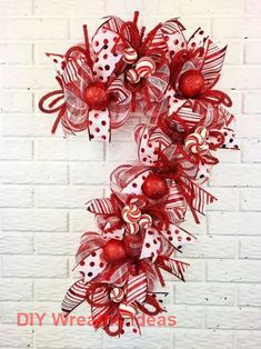 Christmas wallpaper iphone xs max 64 ideas for 2019 Large Christmas Wreath, Christmas Door, Christmas Gifts For Kids, Holiday Wreaths, Christmas Projects, Christmas Decorations, White Christmas, Christmas Swags, Burlap Christmas